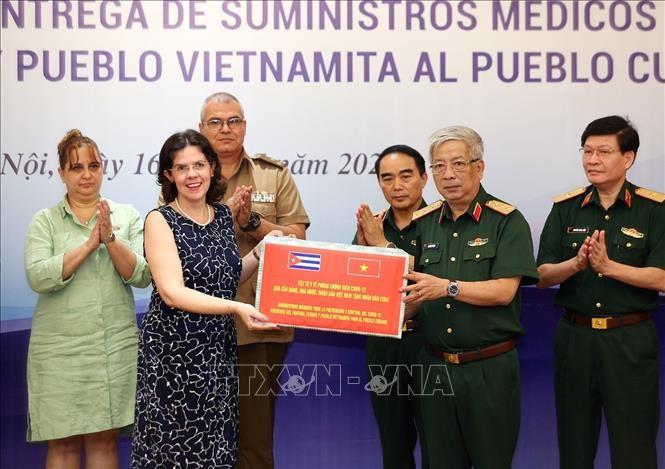 Upacara penyelaran peralahan kesehatan kepada rakyat Kuba - ảnh 1