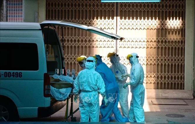 Wabah Covid-19: Mengkonfirmasikan lagi satu kasus baru terinfeksi wabah Covid-19 di masyarakat. Kota Da Nang membentuk tiga kelompok kerja khusus - ảnh 1
