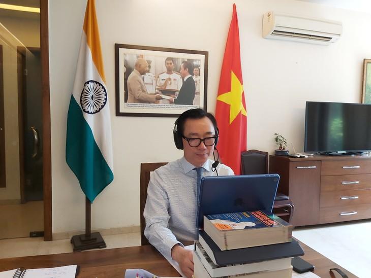 Vietnam mengupdate kebijakan ekonomi makro dengan para investor India - ảnh 1