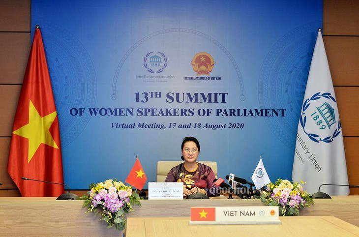 Ketua MN Vietnam, Nguyen Thi Kim Ngan: Mendorong kesetaraan gender dan pemberdayaan perempuan adalah kebijakan yang konsisten dan bersifat menjelujuri dari Negara Vietnam - ảnh 1