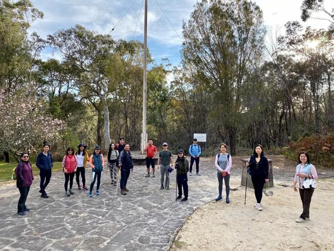 Mantan pelajar Vietnam di Australia melakukan gerak jalan untuk menghimpun dana demi anak-anak miskin - ảnh 1