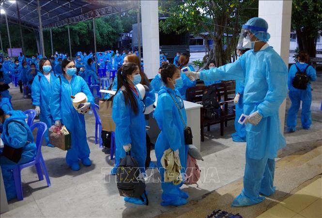 Mengumpulkan biaya medis untuk menjalani isolasi  bagi pendatang yang masuk ke Vietnam mulai 01/09/2020 - ảnh 1