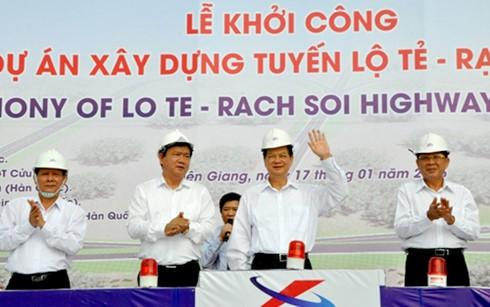 Premierminister Nguyen Tan Dung startet den Bau der Landesstraße zwischen Can Tho und Kien Giang - ảnh 1