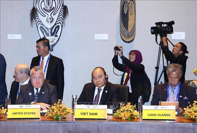 Premierminister Nguyen Xuan Phuc beginnt seine Tätigkeiten in der 26. Hochrangigen APEC-Woche - ảnh 1
