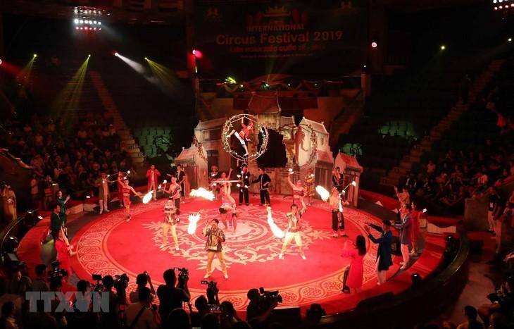 Das internationale Zirkusfestival 2019 in Hanoi - ảnh 1
