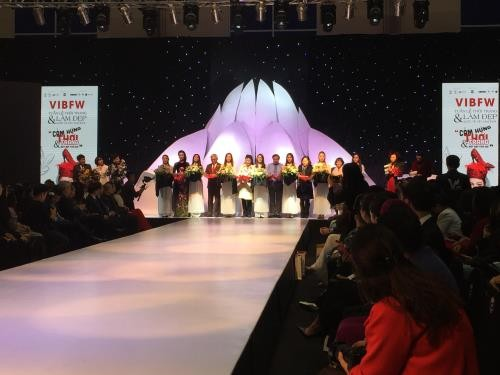 Eröffnung der internationalen Modemesse und – Ausstellung Vietnam 2019 - ảnh 1