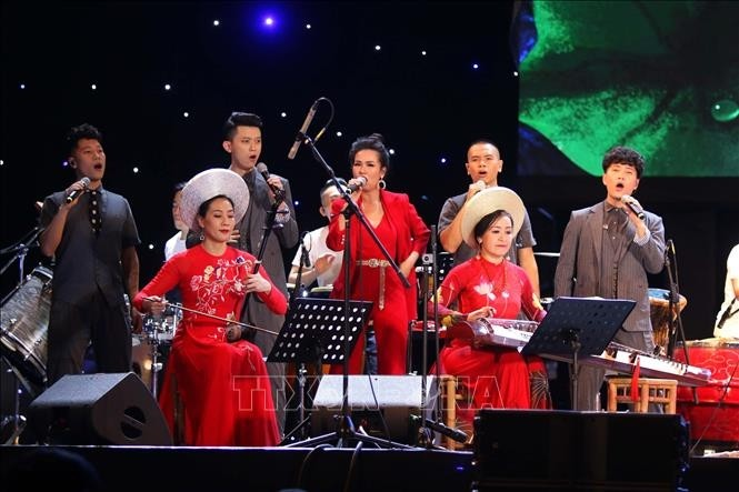"Eröffnung des internationalen Musikfestivals ""Ho do 2019""  - ảnh 1"