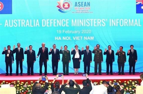 Vietnam setzt sich für die ASEAN-Verteidigungszusammenarbeit ein - ảnh 1