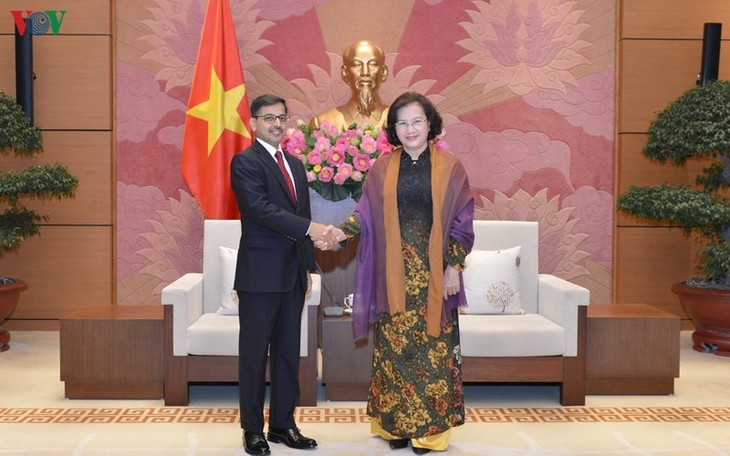 Parlamentspräsidentin Nguyen Thi Kim Ngan empfängt den indischen Botschafter - ảnh 1