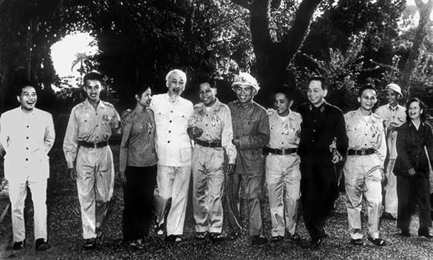 Vorführung von fünf Filmen zur Feier des 130. Geburtstags von Präsident Ho Chi Minh - ảnh 1