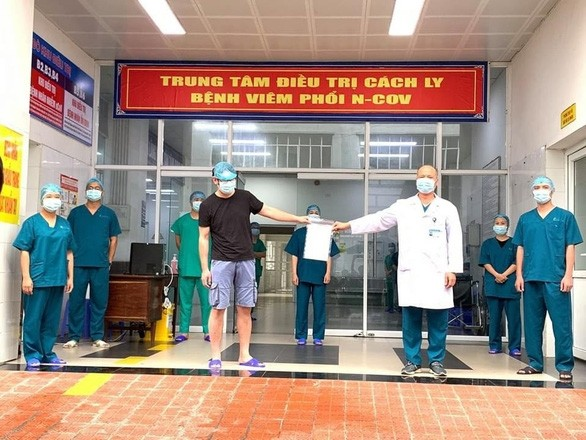 Tschechische Medien: Vietnam zählt zu den wenigen Ländern, die erfolgreich in der Covid-19-Bekämpfung sind - ảnh 1