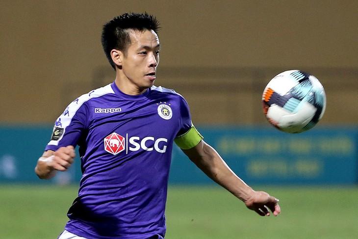 Van Quyet erscheint in der Liste der besten Mittelfeldspieler in Asien - ảnh 1