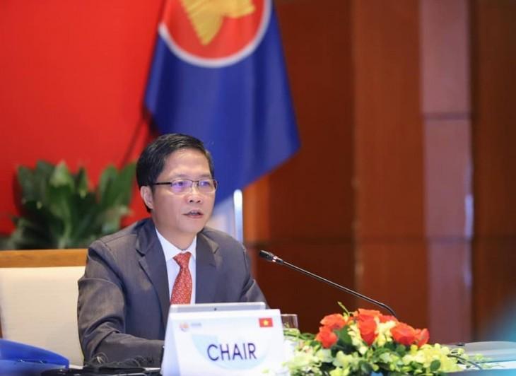 ASEAN経済相会議、ハノイ行動計画を採択 - ảnh 1