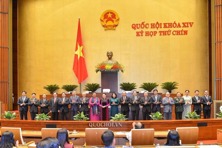Präsentation der nationalen Wahlkommission mit 21 Mitgliedern - ảnh 1