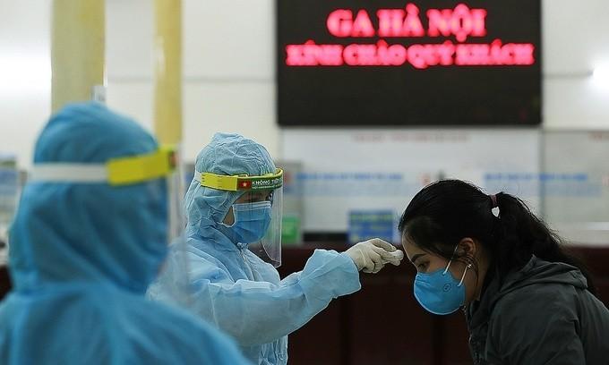 Informationstransparenz und Einstimmigkeit der Bürger tragen zum Erfolg der Covid-19-Bekämpfung Vietnams bei - ảnh 1