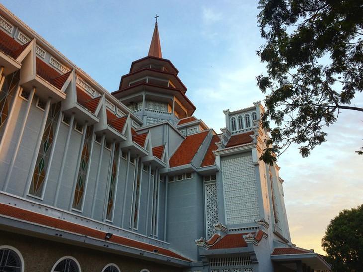 Die friedliche und alte Schönheit der Kaiserstadt Hue - ảnh 16