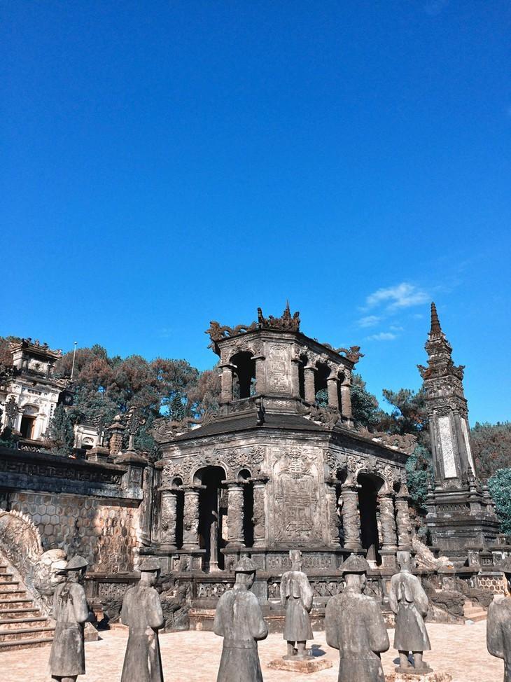 Die friedliche und alte Schönheit der Kaiserstadt Hue - ảnh 4