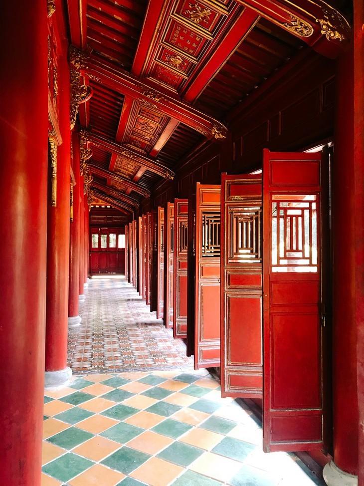 Die friedliche und alte Schönheit der Kaiserstadt Hue - ảnh 5