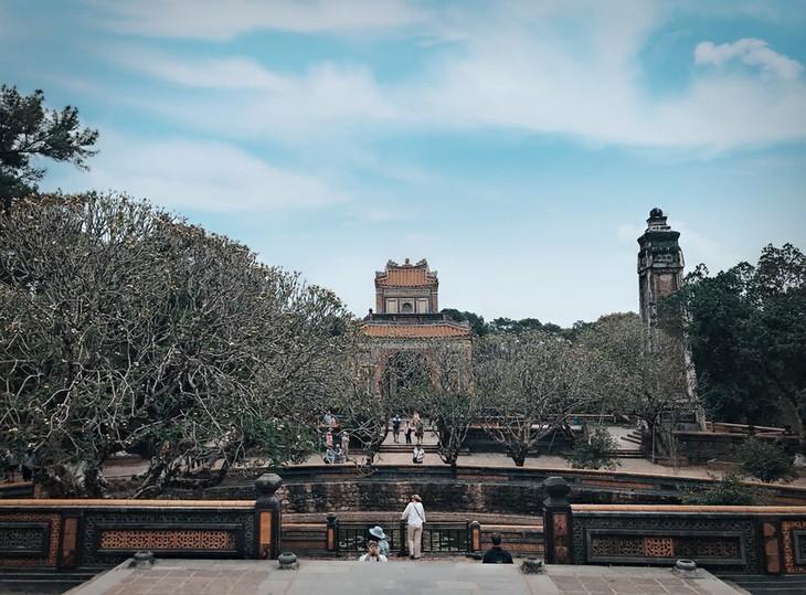 Die friedliche und alte Schönheit der Kaiserstadt Hue - ảnh 9