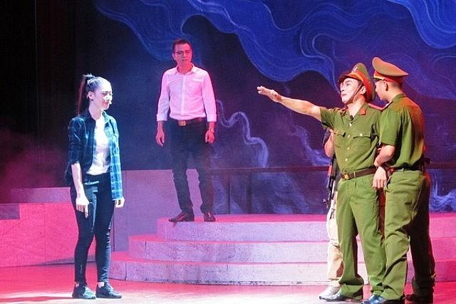 Nationales Theaterkunstfestival über das Bild der Volkspolizisten - ảnh 1