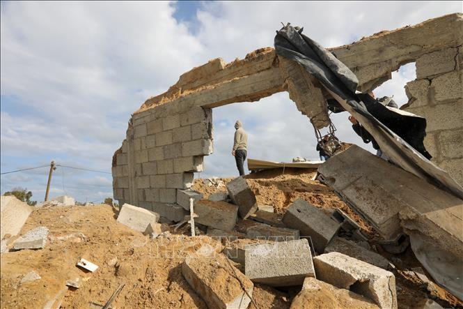 Israel fliegt erneut Luftangriffe auf Hamas-Stellungen im Gazastreifen - ảnh 1