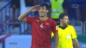 Mittelfeldspieler Bui Tien Dung setzt sich für die Covid-19-Bekämpfung ein - ảnh 1
