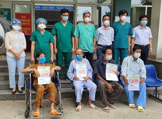 Weitere 53 Covid-19-Patienten sind wieder gesund - ảnh 1