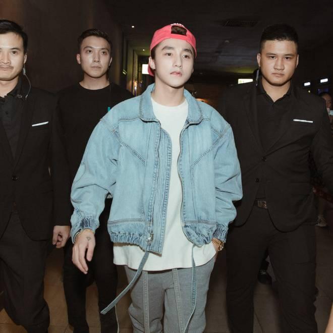 """Musikalischer Dokumentarfilm """"Sky tour movie"""" von Son Tung M-TP auf Netflix veröffentlicht - ảnh 1"""