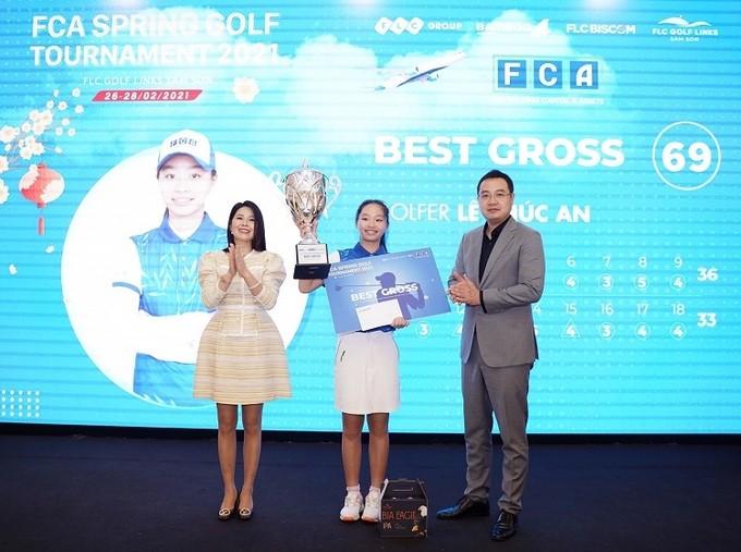 Die 13-jährige Golferin gewinnt FCA Spring Golf Tournament 2021 - ảnh 1