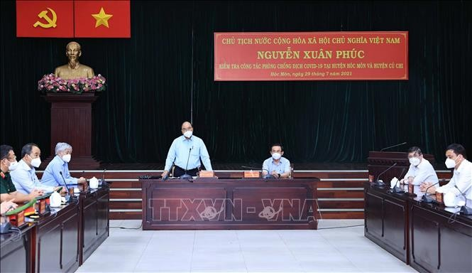 Staatspräsident Nguyen Xuan Phuc überprüft die Covid-19-Bekämpfung in Ho-Chi-Minh-Stadt - ảnh 1