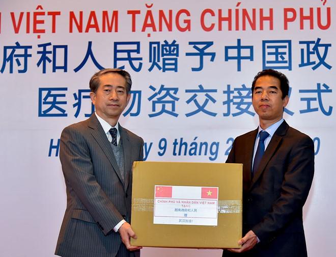 베트남, 중국에 신종 코로나 바이러스 해결 위한 의료, 물자, 설비 지원 - ảnh 1