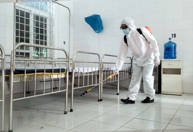 빈쑤엔에서 코로나 19 전염병 예방업무를  수행하고 있는 의료진 - ảnh 9