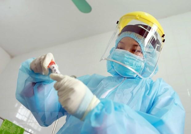 빈쑤엔에서 코로나 19 전염병 예방업무를  수행하고 있는 의료진 - ảnh 7