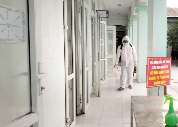 빈쑤엔에서 코로나 19 전염병 예방업무를  수행하고 있는 의료진 - ảnh 8