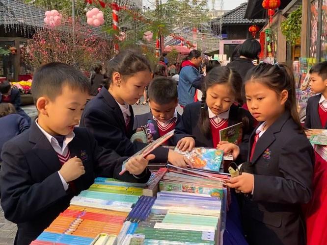 7회 베트남 책의 날(4월 21일)과 하노이 서적축제  - ảnh 1