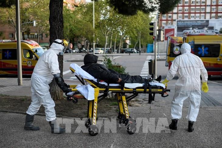 코로나19, 전 세계 사망자 12만명 기록 - ảnh 1