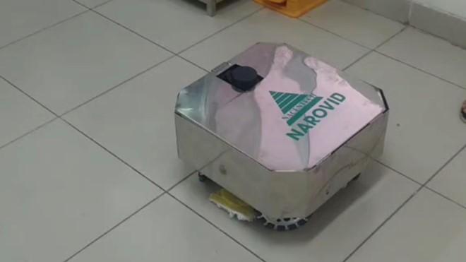 하노이 2호 중앙열대병원,방역 청소-소독 로봇을 시험 - ảnh 1