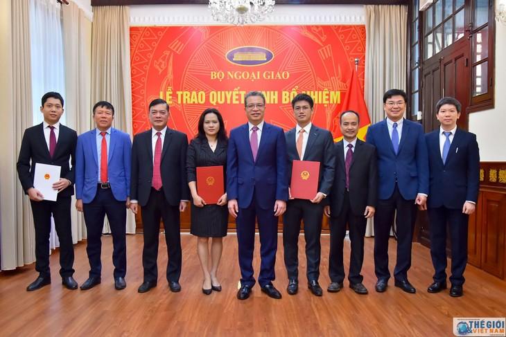 한국 및 태국 거주 베트남인, 베트남 국내 코로나19 지원 - ảnh 1