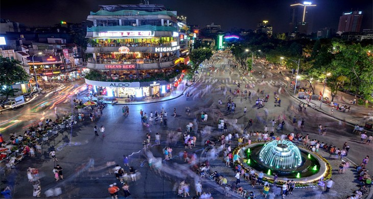 호안 끼엠 군의 도보 공간에 활동,정상으로 복원 - ảnh 1