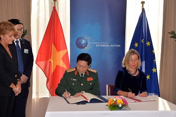 베트남 - EU 국방 협력 강화 - ảnh 1