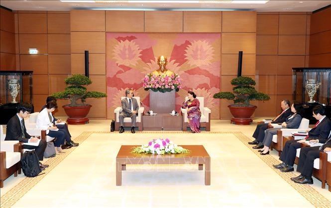 응우옌 티 낌 응언(Nguyễn Thị Kim Ngân) 국회의장, 일본 및 캄보디아 대사 접견 - ảnh 1