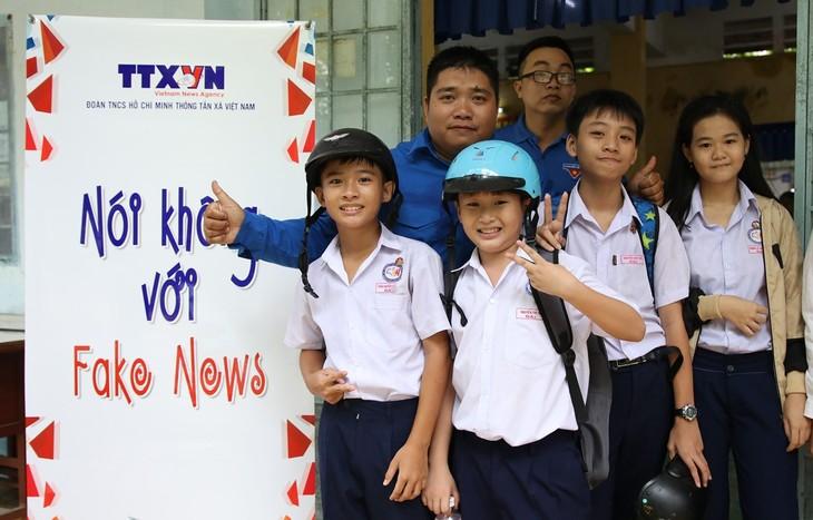 """NO Fake News"" 프로젝트를 계속 전파 - ảnh 1"