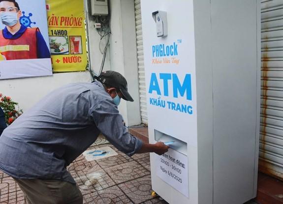 호찌민시민을 위한 무료 마스크 ATM  - ảnh 1