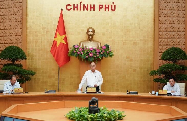 """응우옌 쑤언 푹 국무총리: """"2020년과 향후에도 난관 극복에 주도적이고  적극적으로 노력해야  한다!"""" - ảnh 1"""