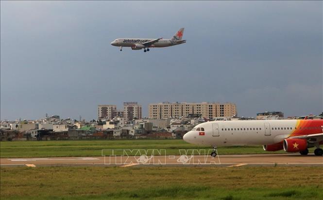 9월 15일부터 일부 국제 상업 항공편 운항 재개 - ảnh 1