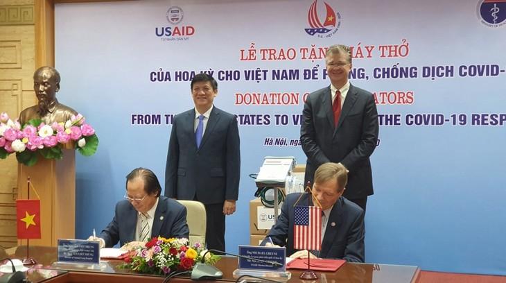 미국, 베트남에 100대의 호흡기 전달 - ảnh 1