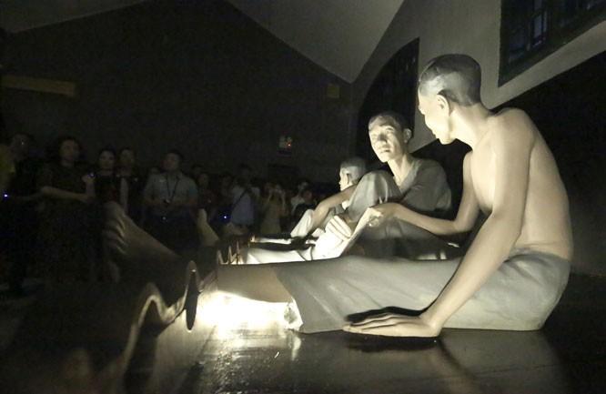 '신성한 밤 – 빛나는 베트남 정신' 야간 투어 체험 - ảnh 2