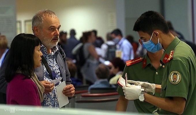 '백신 여권' 보유 입국자에 대한  7일간  집중격리 제안 - ảnh 1