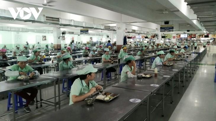 다낭 (Đà Nẵng) 시 기업, 생산 보장 및 코로나19 방역에 적극적으로 나서 - ảnh 1