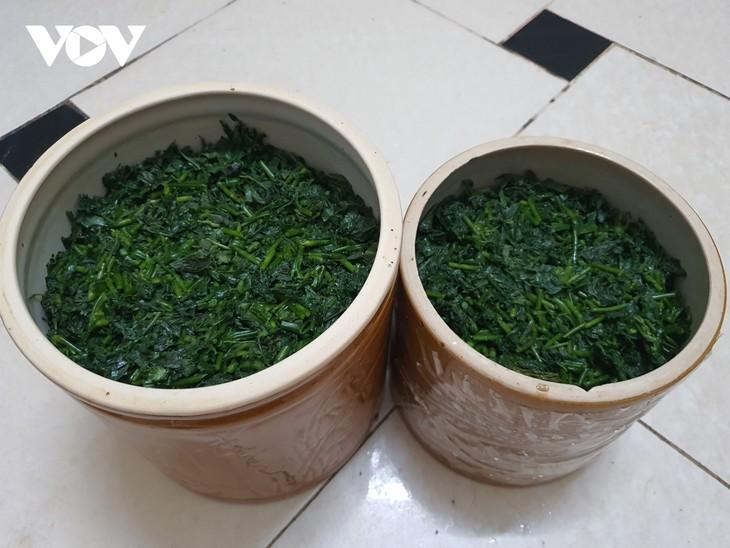 옌바이 (Yên Bái)성 자오도 (Dao Đỏ)족의 색다른 카사바 잎 절임 - ảnh 2